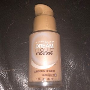 Maybelline dream liquid mousse airbrush finish